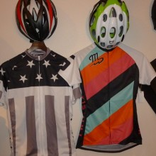 TWIN SIX Cycle Jersey 続々入荷中です。